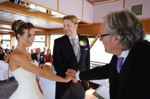 Freie Trauung Rheinschiff mit Hochzeitsredner Thomas Marz.